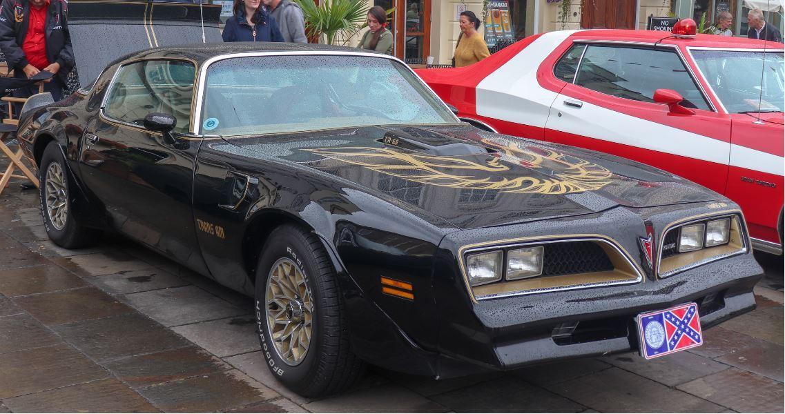 Killer Cars - Pontiac Firebird, The Hitcher