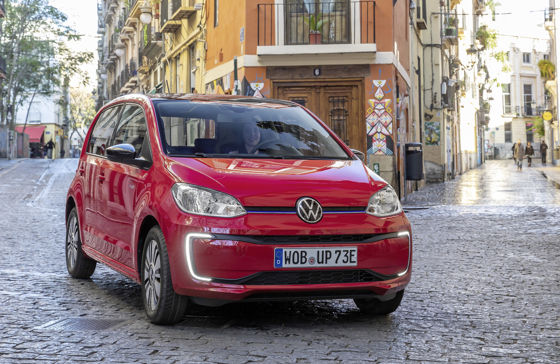 Cheap electric cars - Volkswagen e-up!