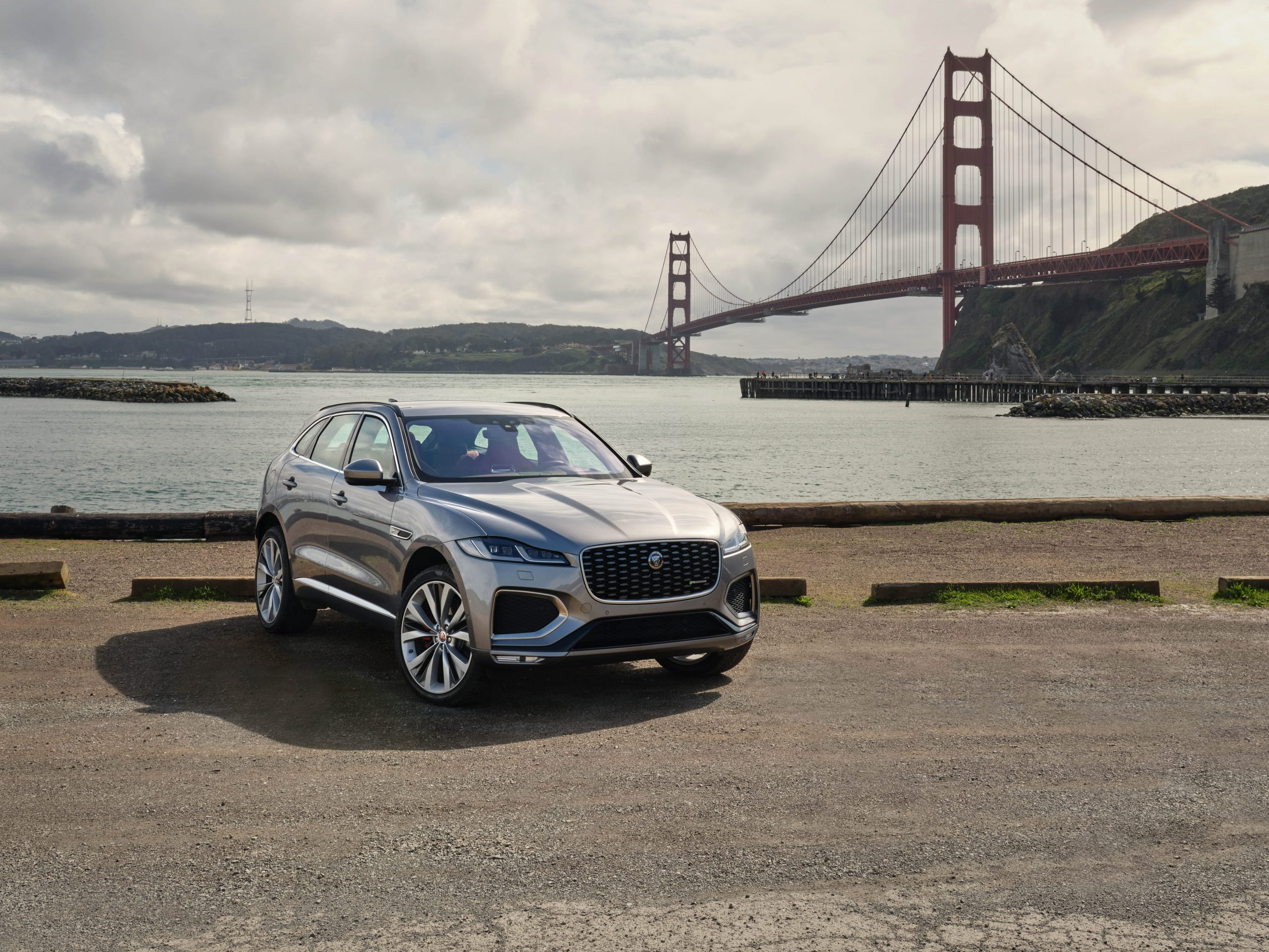 Jaguar F-Pace media services available