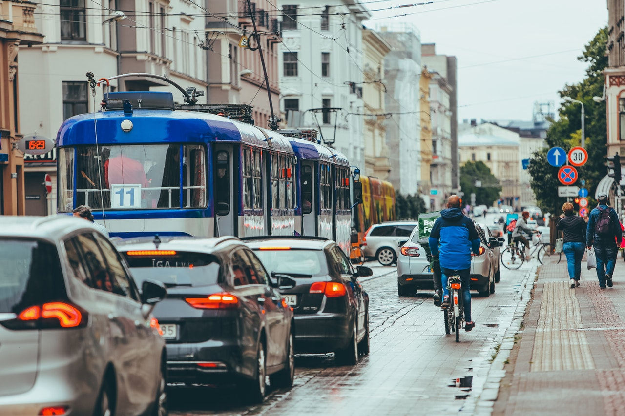 Busy street during commute shows heavy reliance of cars