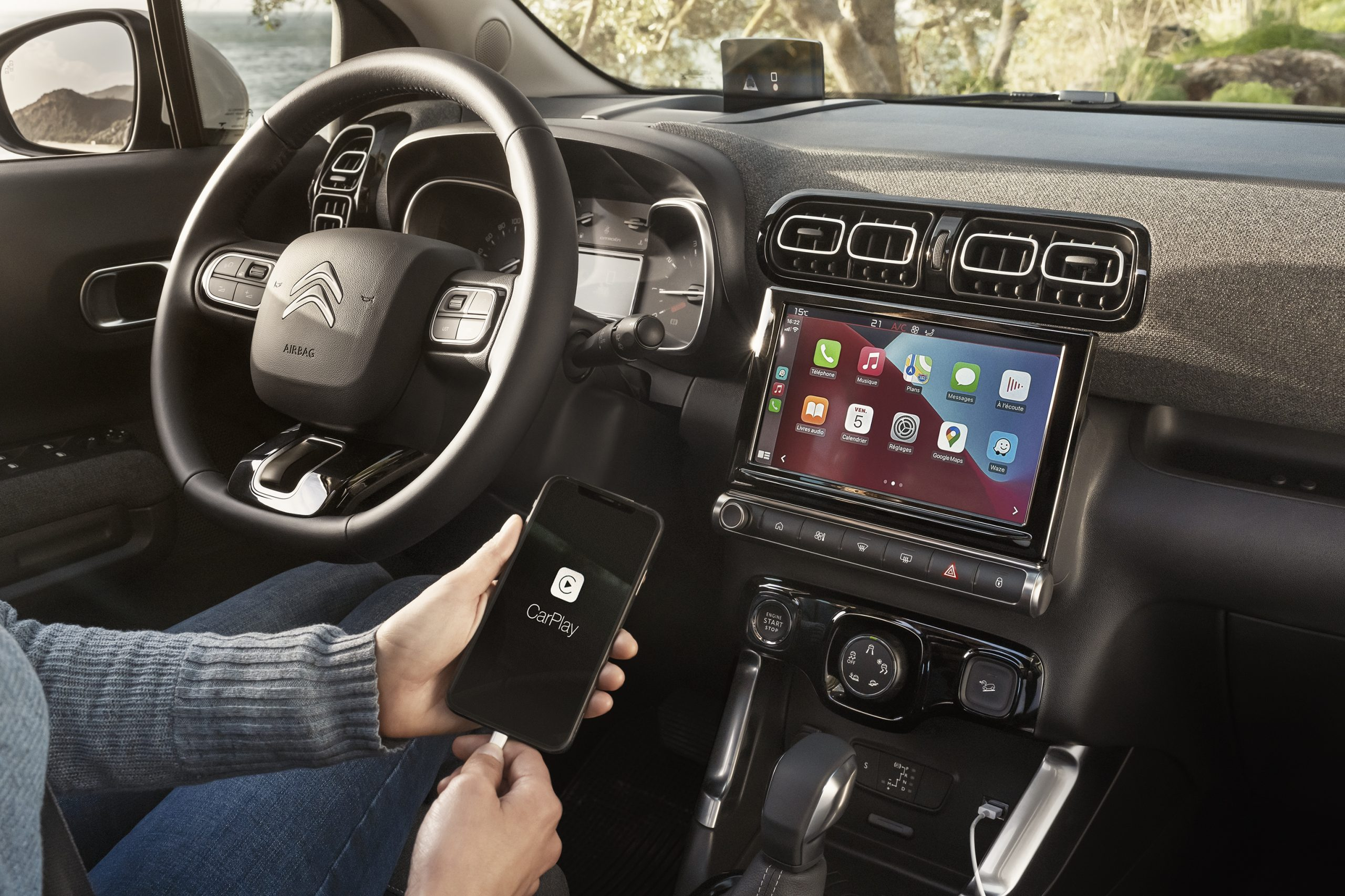 c3 aircross interior and touchscreen features