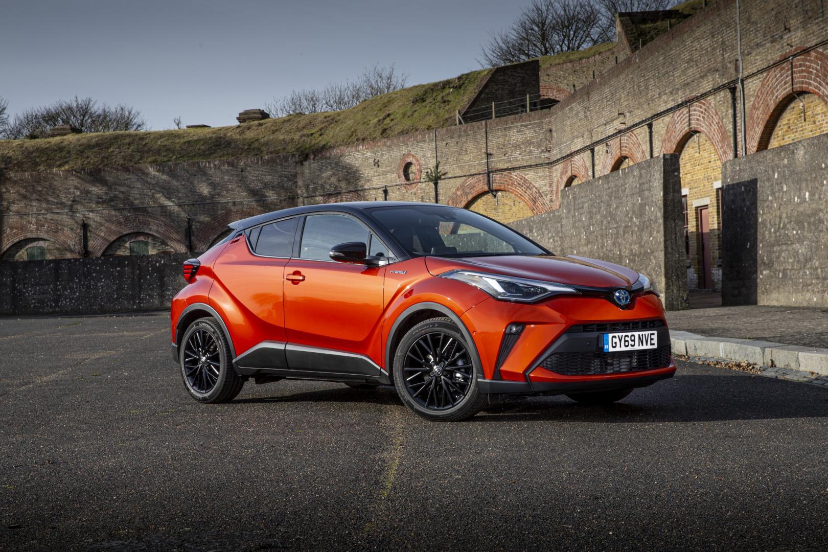 Toyota-C-HR in orange