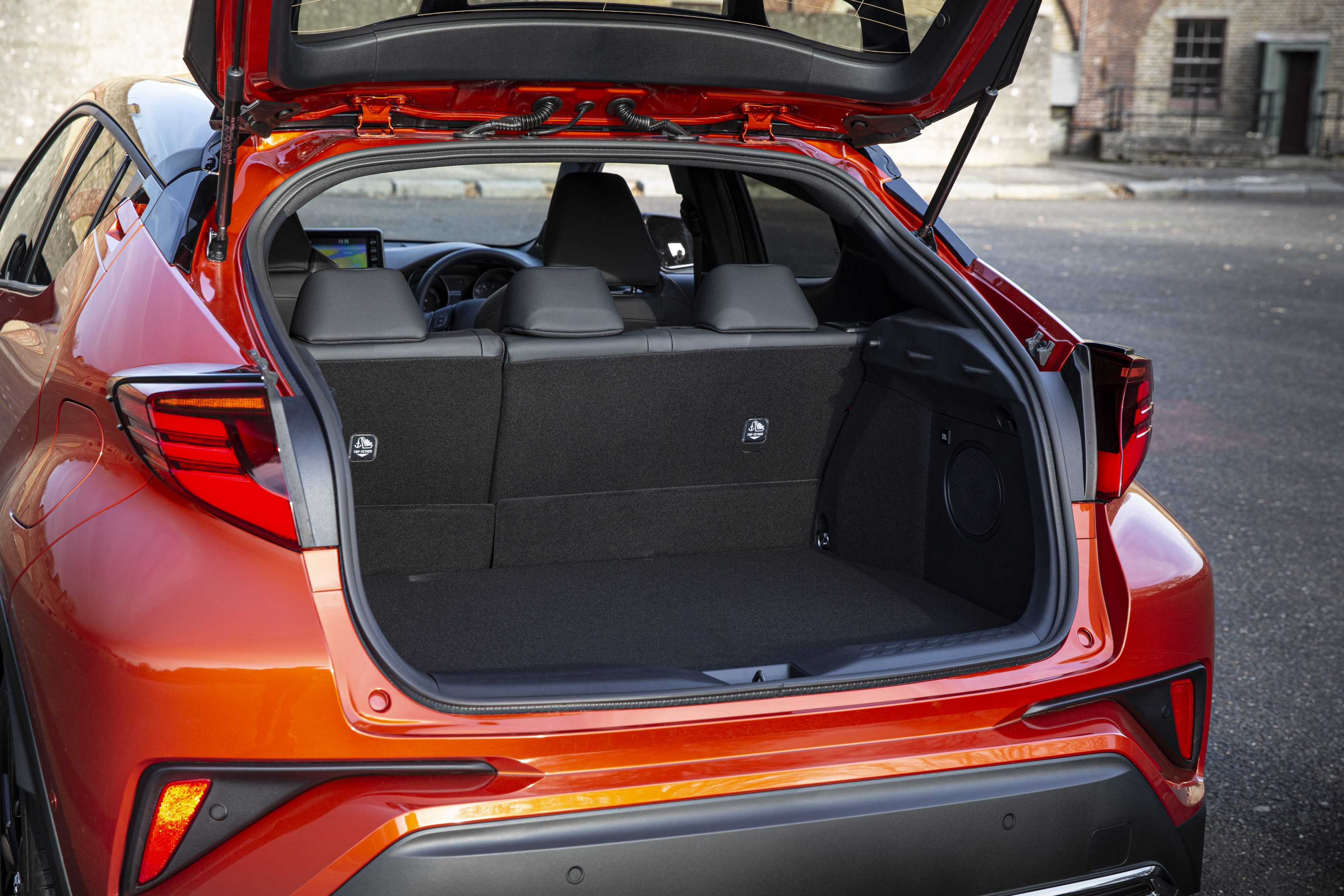Toyota-C-HR with open boot