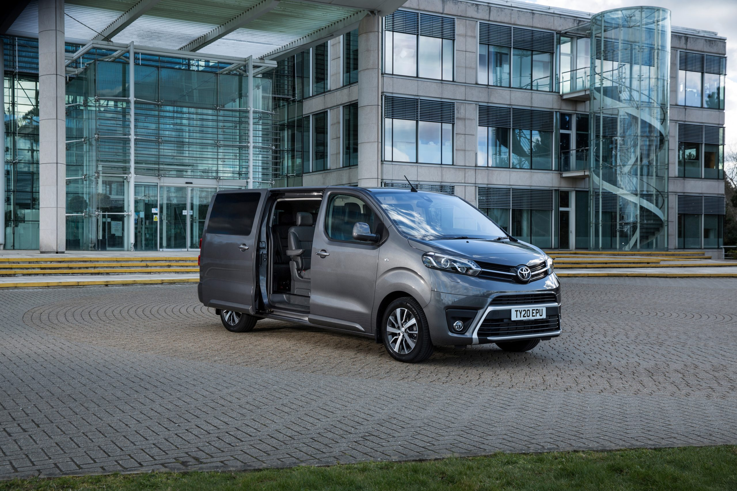 Best people carriers in 2021 - Toyota Proace Verso