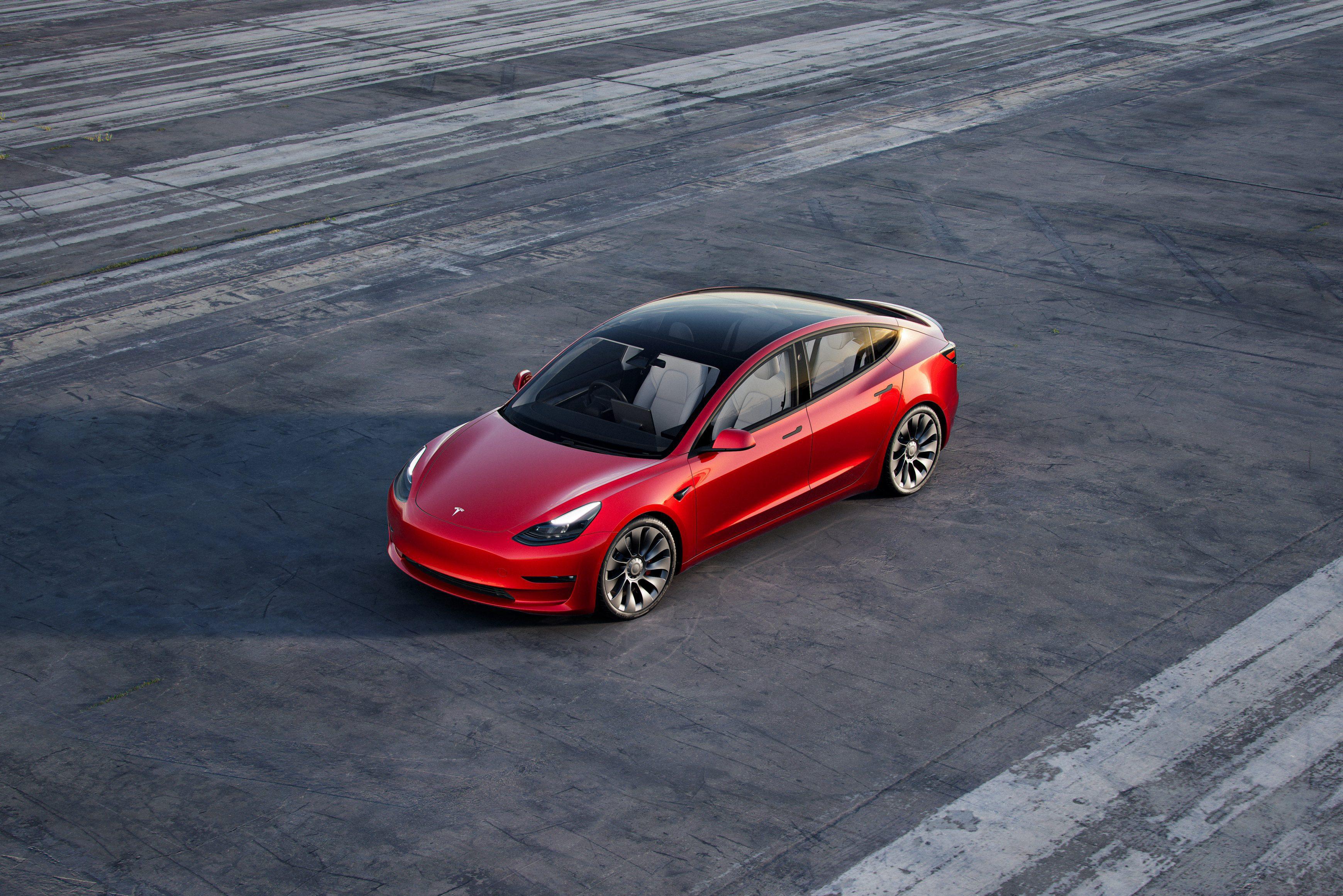 Tesla Model 3 2021 static exterior side shot